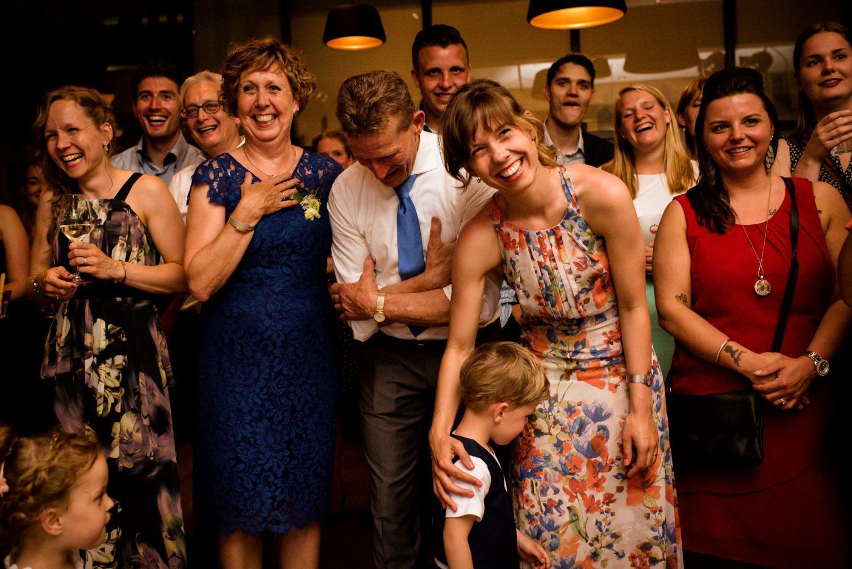 Trouwen bij Dengh | Journalistieke trouwfotografie Linda Bouritius Amersfoort